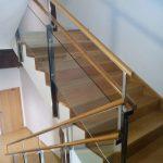 escalera de madera acero y vidrio_Zuhaizki