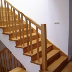 escalera de madera interior_Zuhaizki
