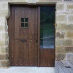 Puerta de entrada madera maciza rustica